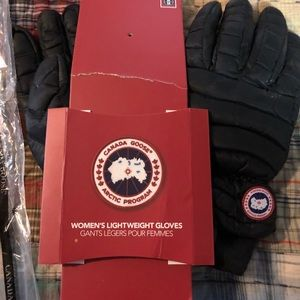 0abadccfff2b Canada Goose Accessories - Canada Goose Lightweight Gloves Med